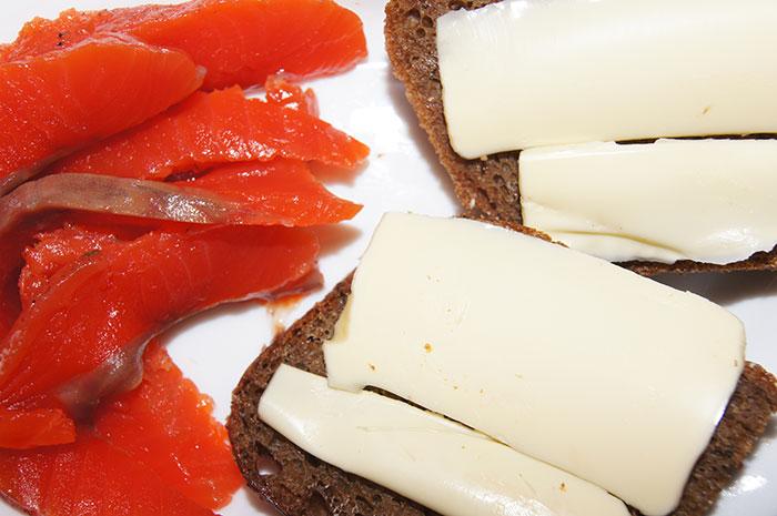 Бутерброд с лососем - сахалинский деликатес