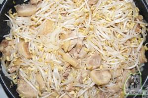 кулинарный рецепт курица с пророщенной соей (маш-маш)