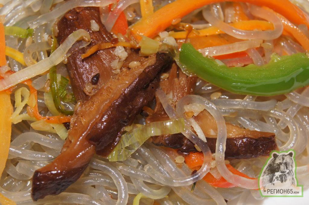 как приготовить лапшу крахмальную с мясом салат