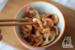 Кулинарный рецепт креветки обжаренные с луковыми колечками