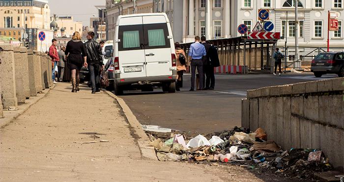 В Москве нет мусорных урн