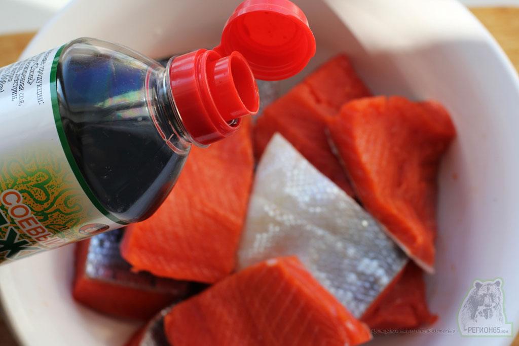 Кулинарный рецепт как приготовить жареную нерку с кимчой и папоротником