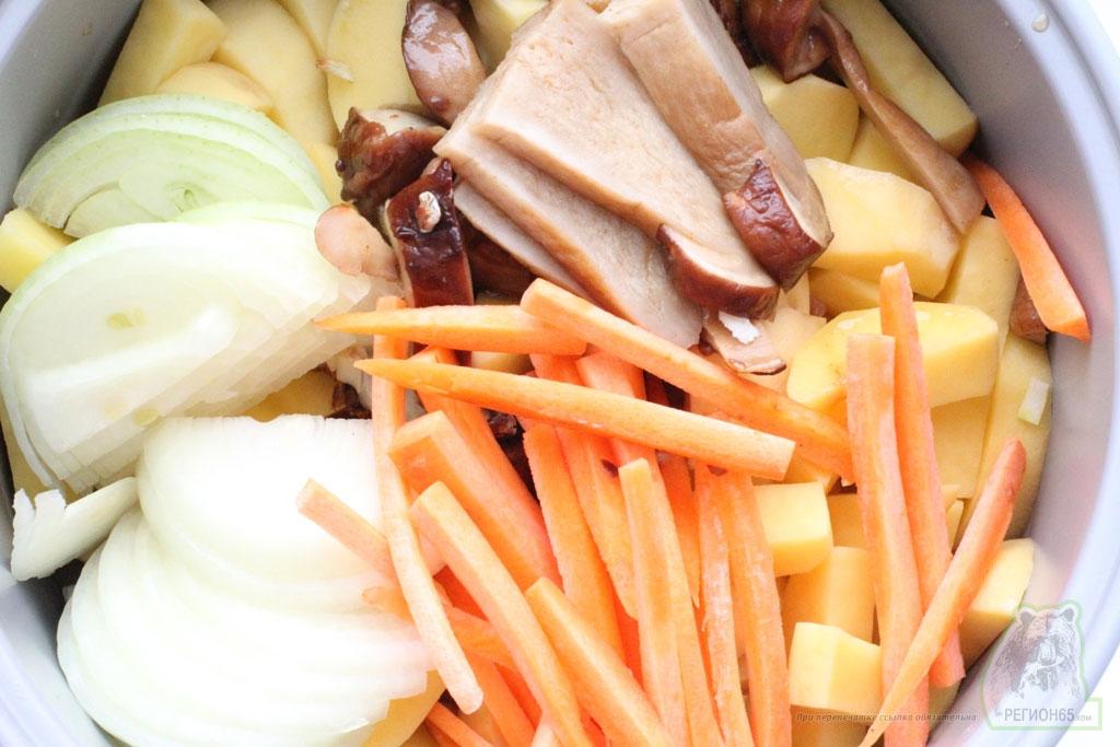 Рецепт индейка с грибами и картофелем в мультиварке