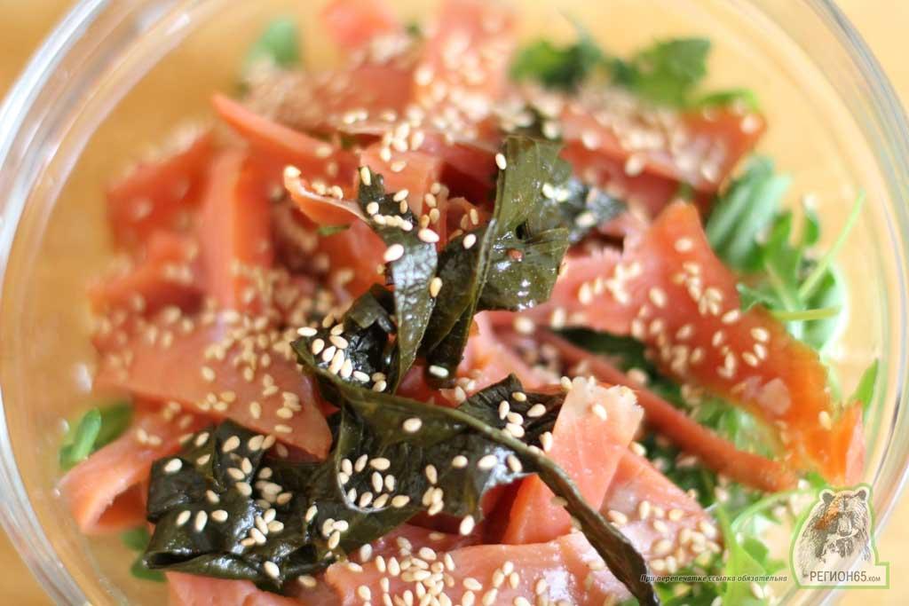 Кулинарный рецепт с фотографиями как быстро вкусно приготовить лосося с кунжутным листом